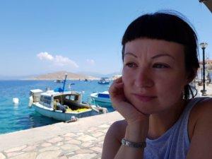 Катя думает о том, как бы здесь жить остаться :)