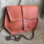 Кайфовая сумка с клепками